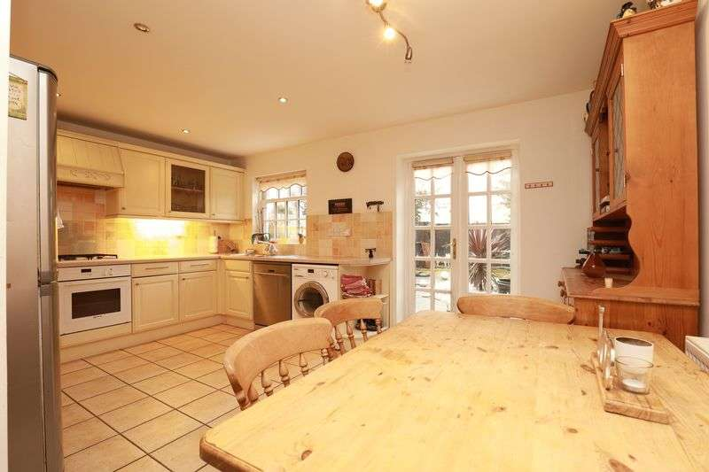 4 Bedrooms Terraced House for sale in Mead Lane, Bognor Regis