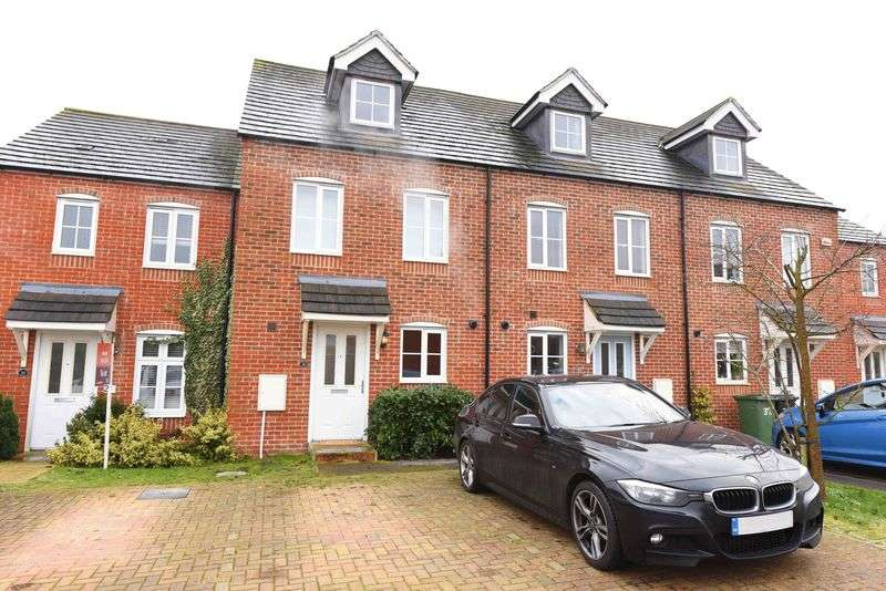3 Bedrooms Terraced House for sale in Beckett Gardens, Bramley