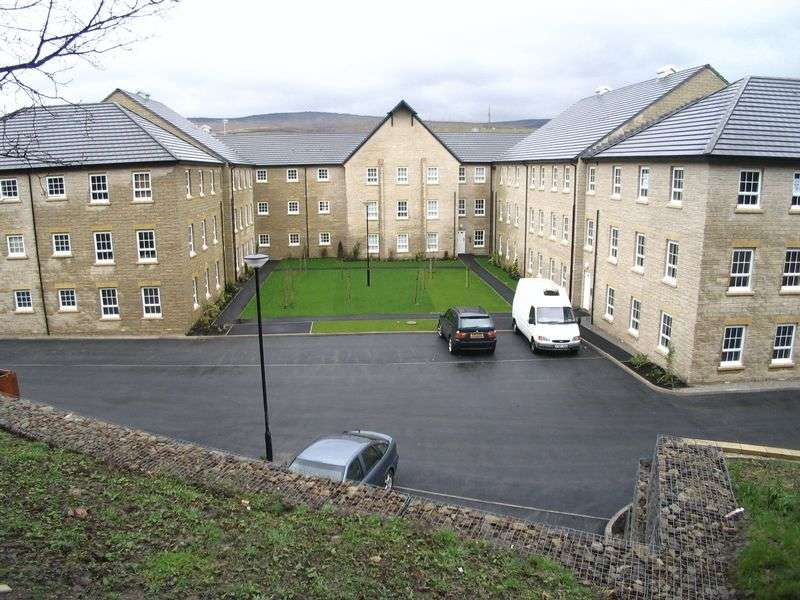 2 Bedrooms Flat for sale in Gale Close, Littleborough