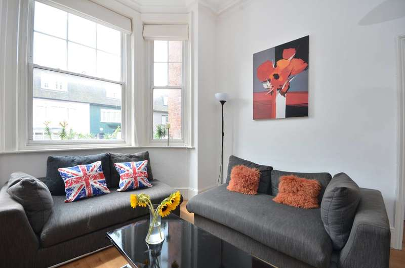 2 Bedrooms Flat for sale in Barons Court Road, Barons Court, W14