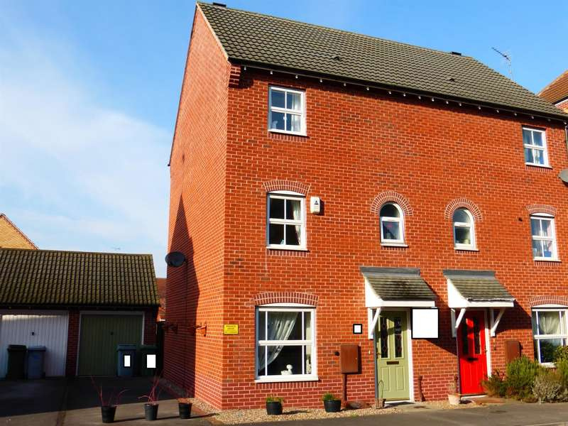 4 Bedrooms Semi Detached House for sale in John Gold Avenue, Newark, NG24