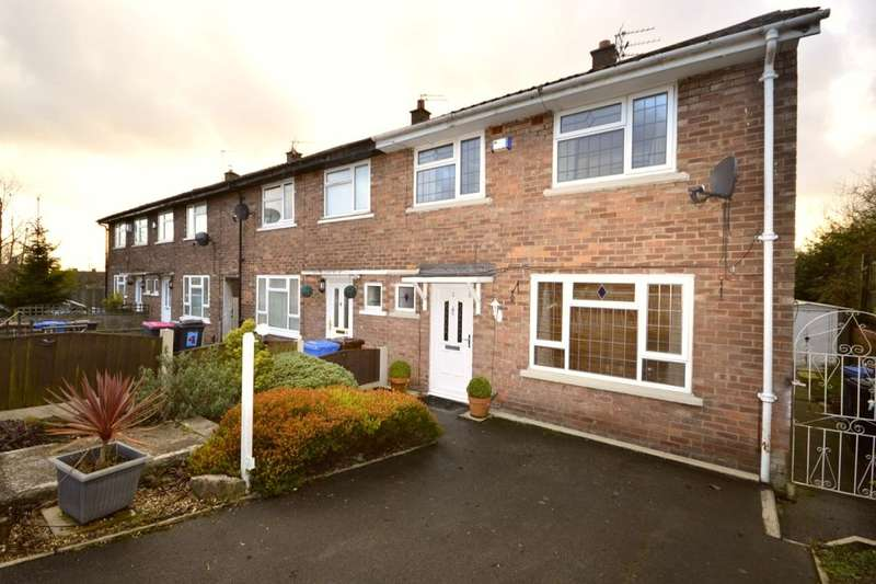 3 Bedrooms Semi Detached House for sale in Yates Drive, Worsley, Manchester, M28