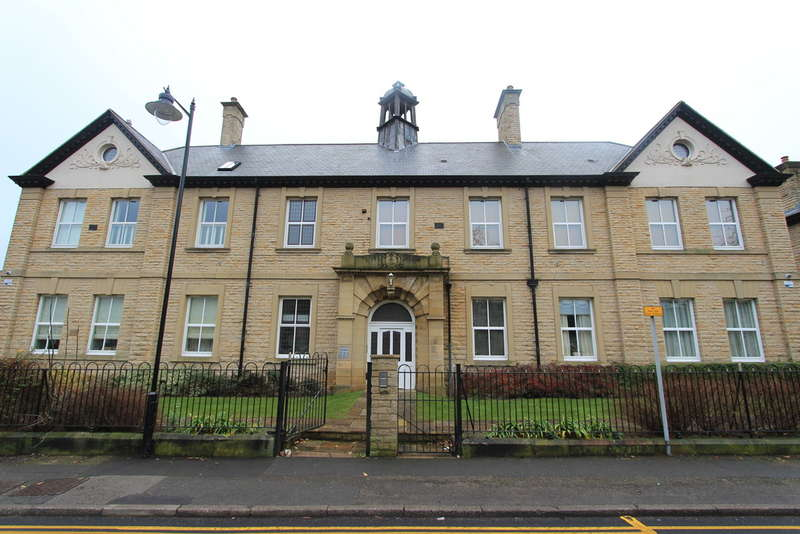 2 Bedrooms Flat for rent in Union Road, Sheffield