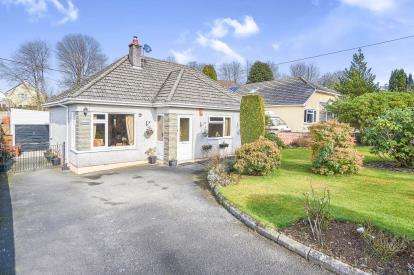 3 Bedrooms Bungalow for sale in Tavistock Road, Callington, Cornwall