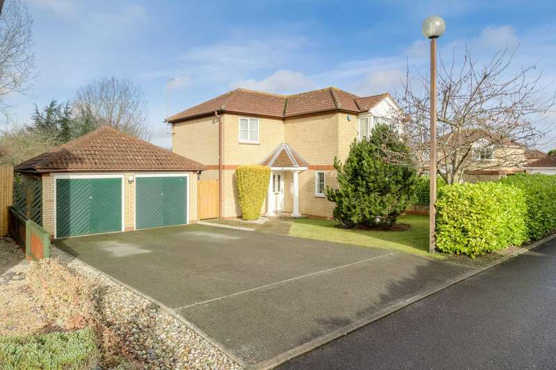 4 Bedrooms Detached House for sale in Chievely Court, Emerson Valley