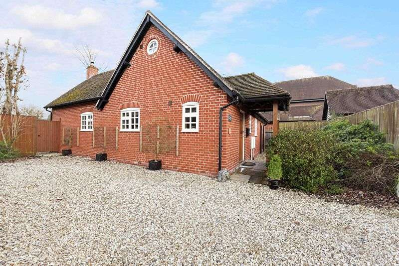 2 Bedrooms Detached Bungalow for sale in Coopers Lane, Bramley