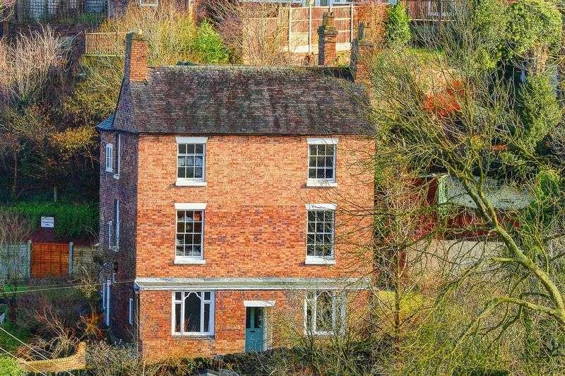5 Bedrooms Detached House for sale in Simpsons Lane, Broseley Wood