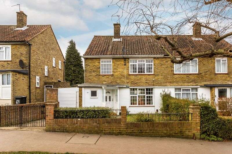 3 Bedrooms Semi Detached House for sale in Farnborough Avenue, South Croydon