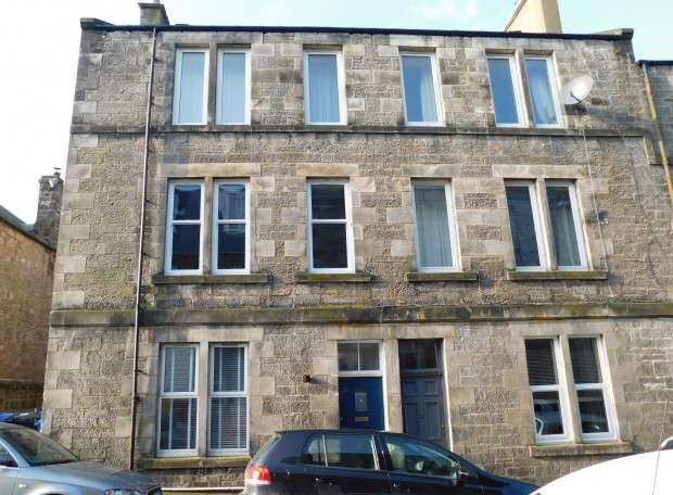 2 Bedrooms Flat for sale in Alexandra Street, 1st Floor Right, Dunfermline, KY12