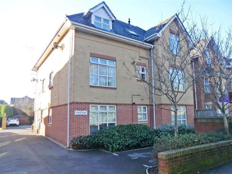 2 Bedrooms Flat for sale in Daniel Lodge, Bournemouth, Dorset
