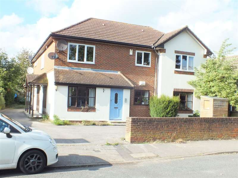 1 Bedroom Property for sale in Field common Lane, Walton on Thames