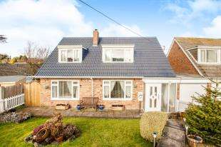 4 Bedrooms Bungalow for sale in Nursery Lane, Whitfield, Dover, Kent