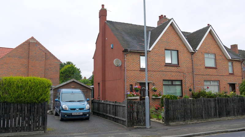 3 Bedrooms Semi Detached House for sale in Westwood Avenue, Ayr, KA8