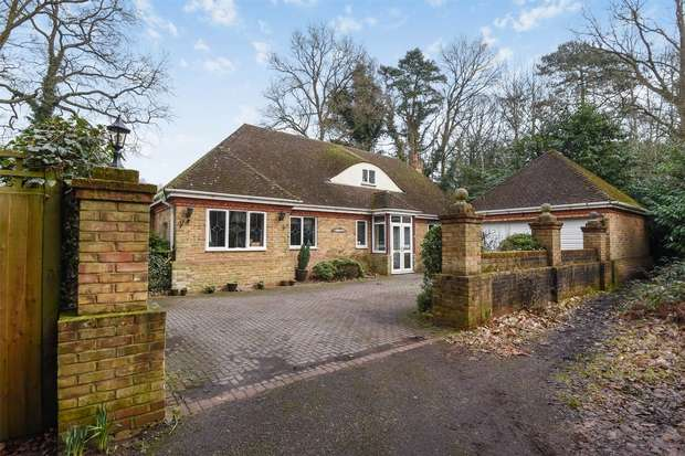 4 Bedrooms Chalet House for sale in New Wokingham Road, Crowthorne / Wokingham, Berkshire