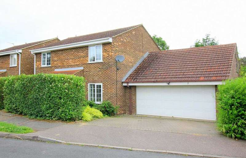 4 Bedrooms Detached House for sale in 4 BEDROOM DETACHED WITH DOUBLE GARAGE IN Braemar Turn, WOODHALL FARM