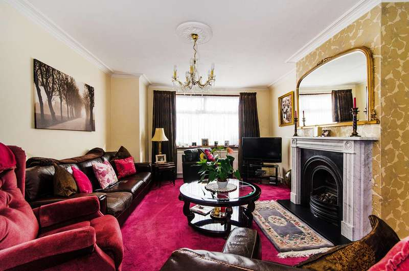3 Bedrooms House for sale in Oldborough Road, Wembley, HA0