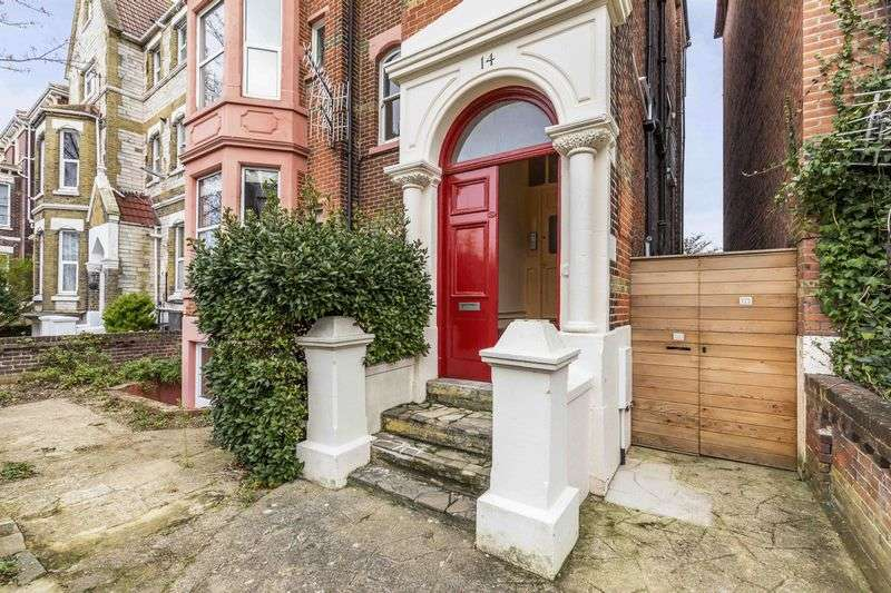 1 Bedroom Flat for sale in Lennox Road South, Southsea
