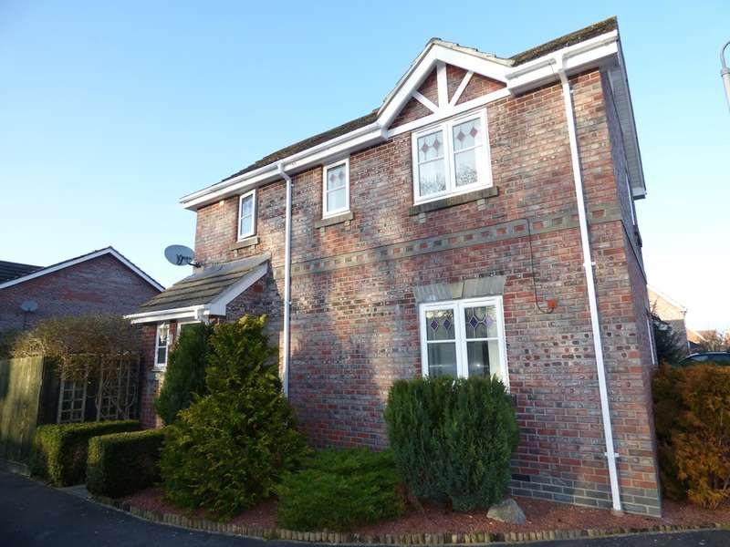3 Bedrooms Semi Detached House for sale in Fell Road, Westbury