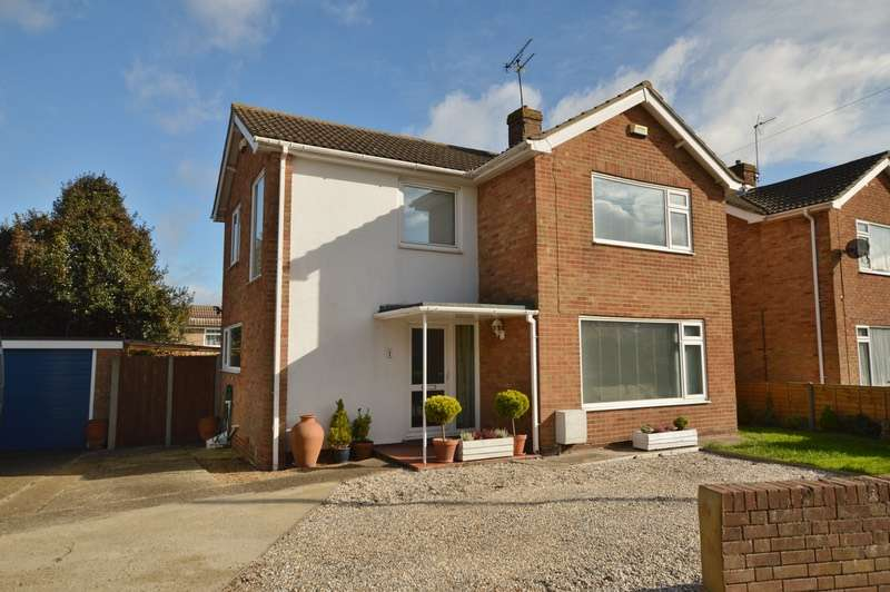3 Bedrooms Detached House for sale in Addelam Road, Deal, Kent, CT14