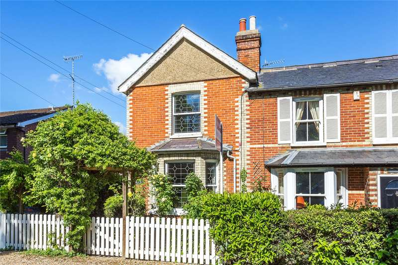 2 Bedrooms Semi Detached House for sale in Church Road, St. John's, Woking, Surrey, GU21