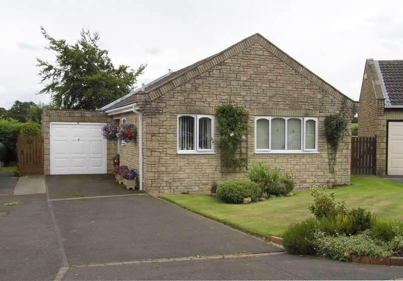 2 Bedrooms Bungalow for sale in Whitegates, Longhorsley, Morpeth