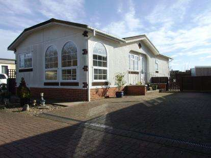 2 Bedrooms Mobile Home for sale in Carter Street, Fordham, Ely