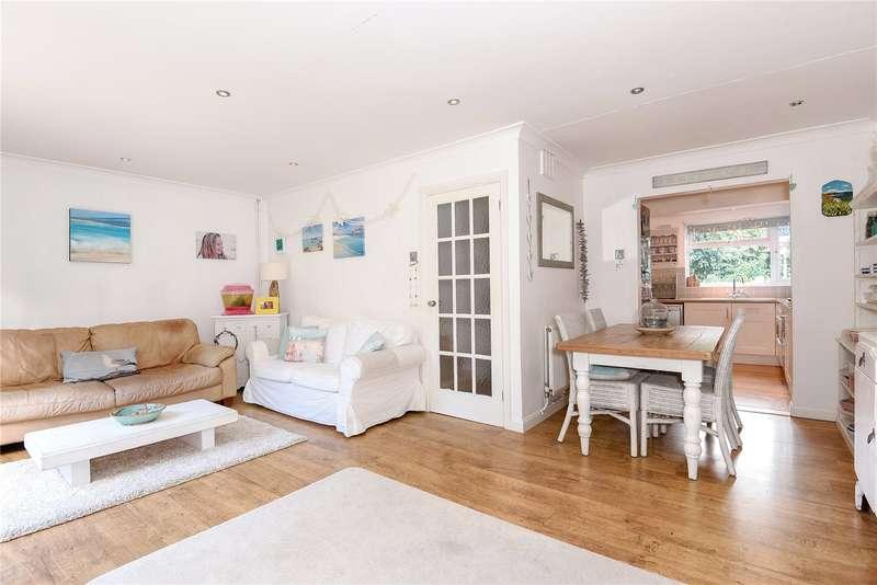 3 Bedrooms End Of Terrace House for sale in Vine Road, Stoke Poges, Buckinghamshire, SL2