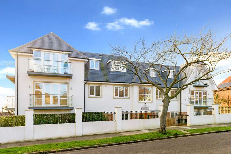 3 Bedrooms Flat for sale in Amberden Avenue, Finchley