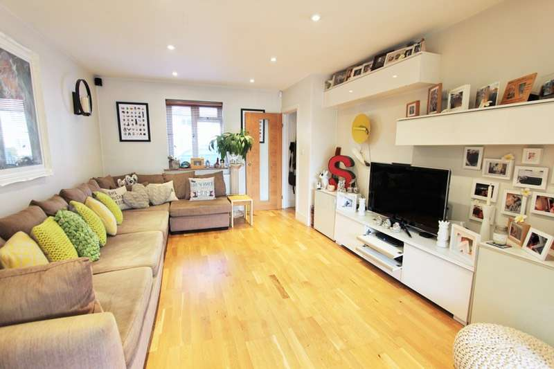 3 Bedrooms Terraced House for sale in Prospect Crescent, Twickenham, Middlesex, TW2