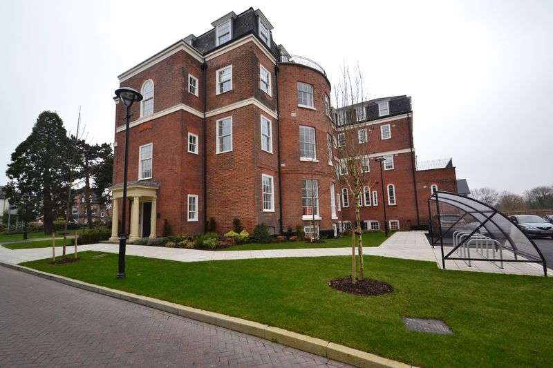 3 Bedrooms Flat for sale in Plaistow Lane, Bromley