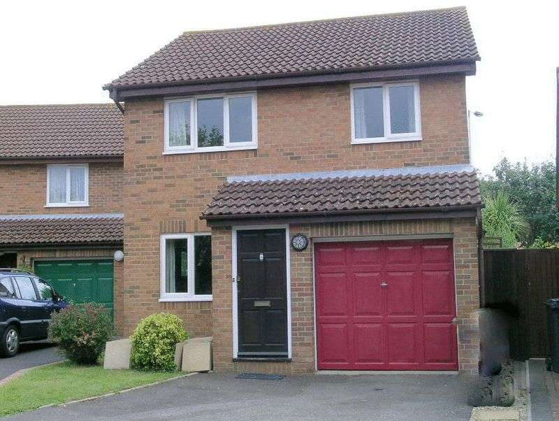 3 Bedrooms Detached House for sale in CASTLEDEAN PARK