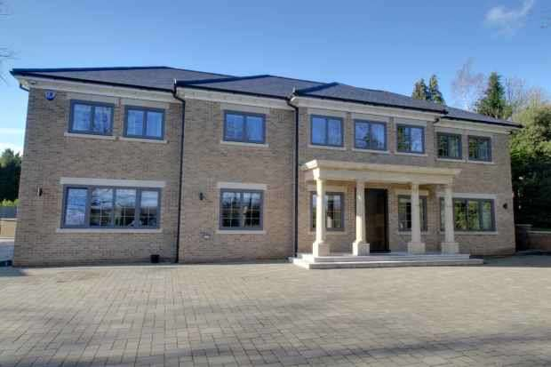 4 Bedrooms Detached House for sale in Kentish Lane, Hatfield, Hertfordshire, AL9 6NG
