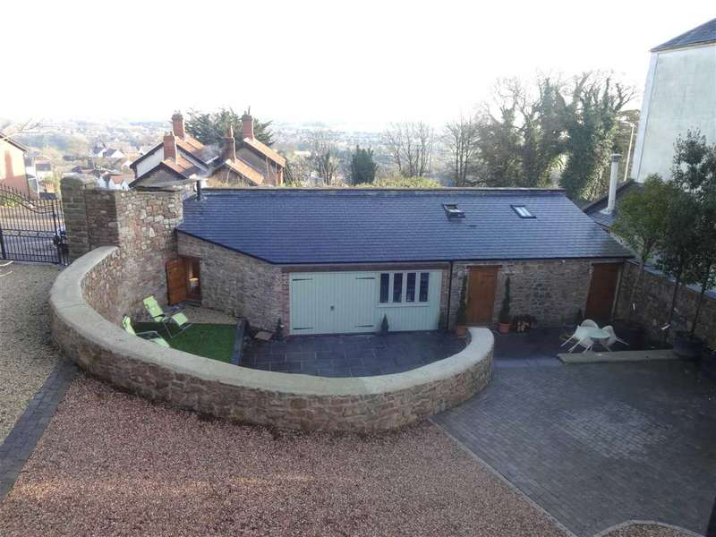 2 Bedrooms Detached Bungalow for sale in Little Hervells Court, Chepstow