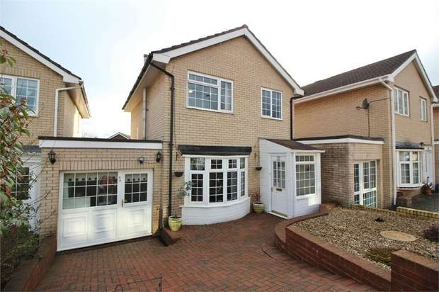 3 Bedrooms Link Detached House for sale in Croesonen Parc, ABERGAVENNY, Monmouthshire