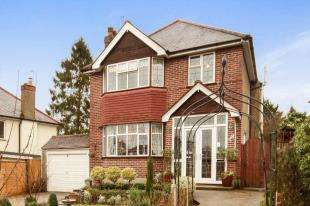 3 Bedrooms Detached House for sale in The Windings, Sanderstead, South Croydon, .