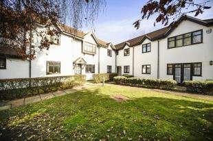 2 Bedrooms Flat for sale in Ivydene Lodge, 99 Shirley Road, Croydon, Surrey