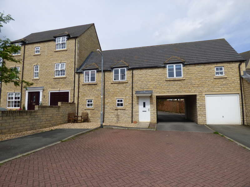 2 Bedrooms Flat for sale in 72 Dale Grove, Leyburn