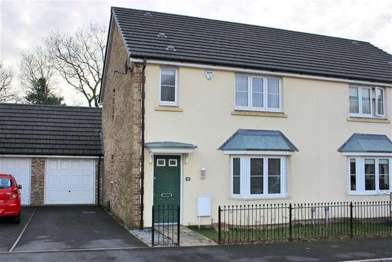 3 Bedrooms Property for sale in Gelli Rhedyn, Fforestfach, Swansea