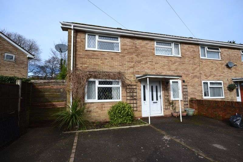 3 Bedrooms Terraced House for sale in Holbury, SO45