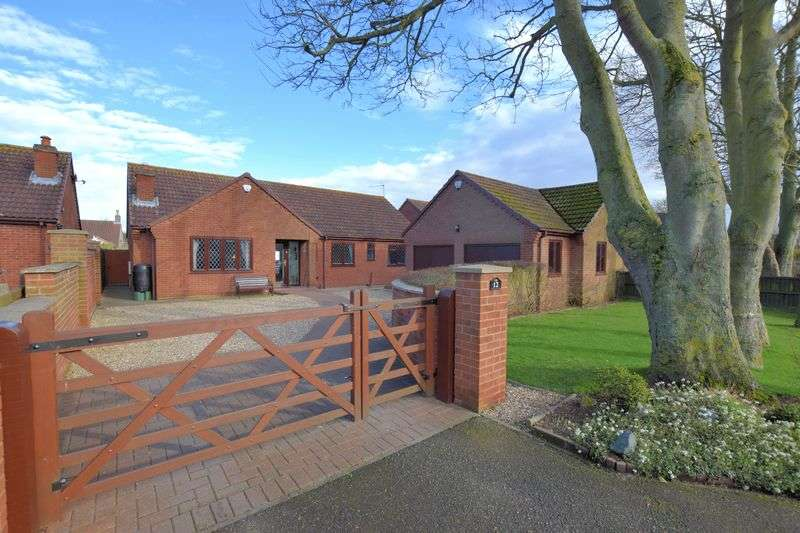 3 Bedrooms Detached Bungalow for sale in Field Farm Lane, Metheringham, Lincoln