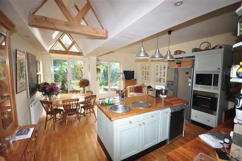 4 Bedrooms Terraced House for sale in Mortimer Street, Herne Bay, Kent