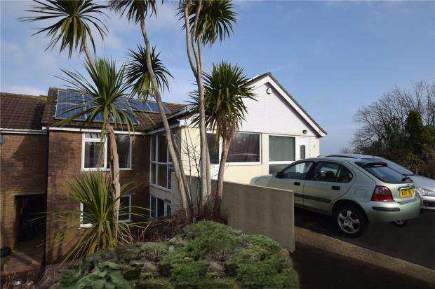 3 Bedrooms Terraced House for sale in Lidford Tor Avenue, Roselands, Paignton, Devon