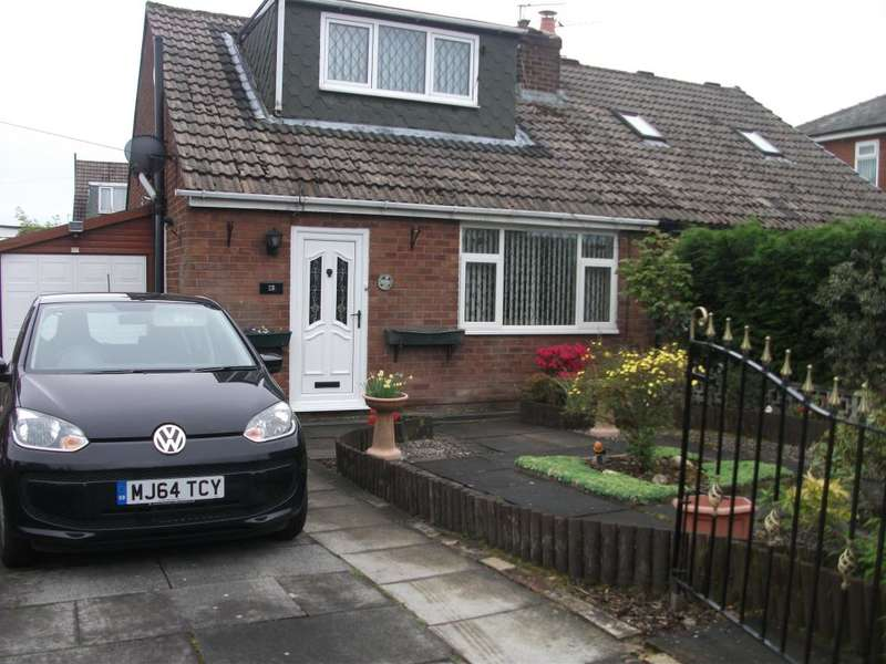 3 Bedrooms Bungalow for sale in Oxford Road, Little Lever, Bolton, BL3 1DY