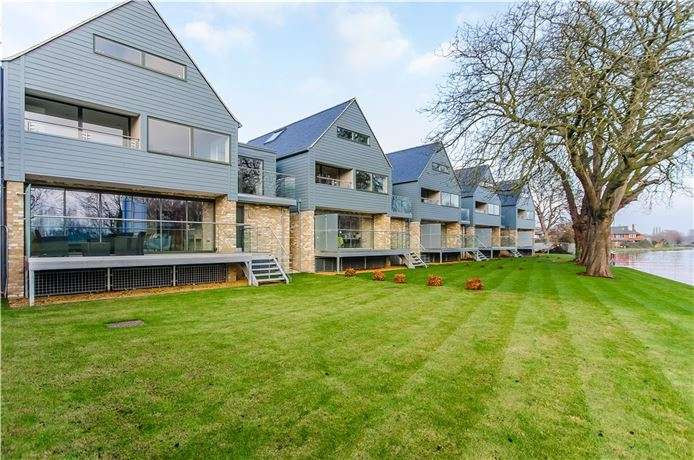 5 Bedrooms Detached House for sale in Reflections, Water Street, Chesterton, Cambridge