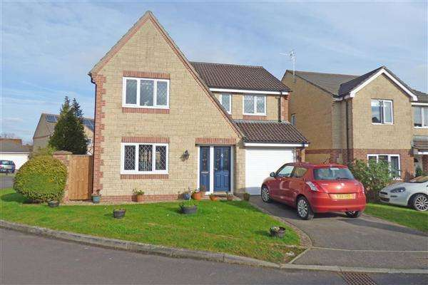 4 Bedrooms Detached House for sale in Grants Close, Wincanton