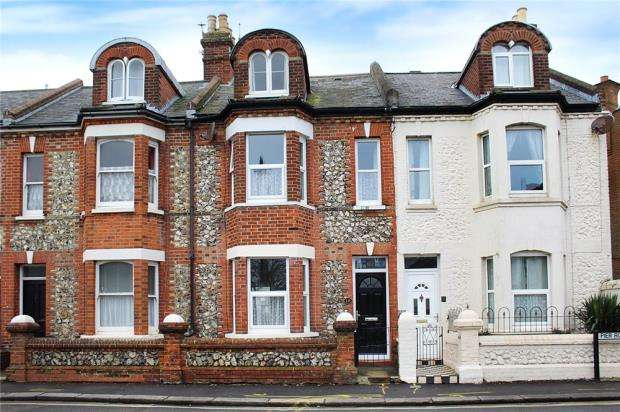 4 Bedrooms Terraced House for sale in Pier Road, Littlehampton, West Sussex, BN17