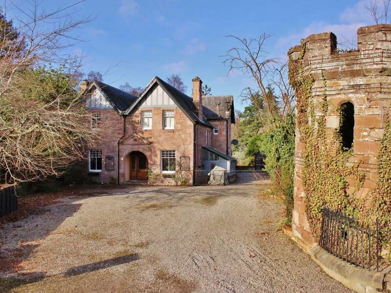 6 Bedrooms Manor House Character Property for sale in 25 Castle Street, Dingwall, IV15 9HU