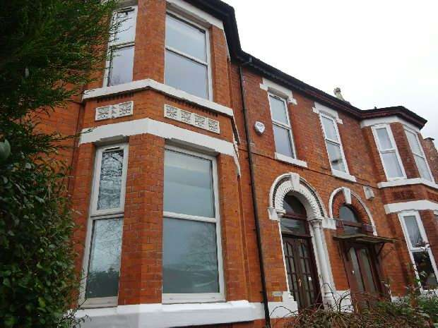 5 Bedrooms Terraced House for sale in Clarendon Road, Whalley Range, Manchester