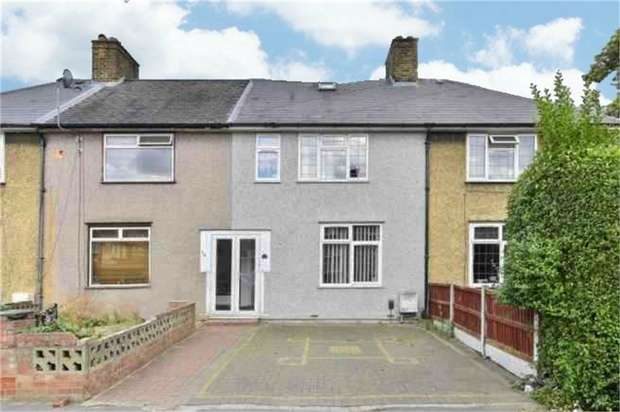 3 Bedrooms Terraced House for sale in Ivinghoe Road, Dagenham, Essex