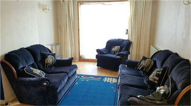 5 Bedrooms Semi Detached House for sale in Chaucer Green, Croydon